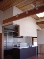 和風入母屋造りの住まいをバリアフリーにリノベーションした家